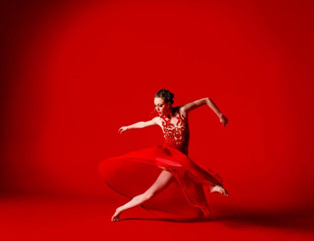 Noelle Kayser of Visceral Dance Chicago. Photo by Todd Rosenberg