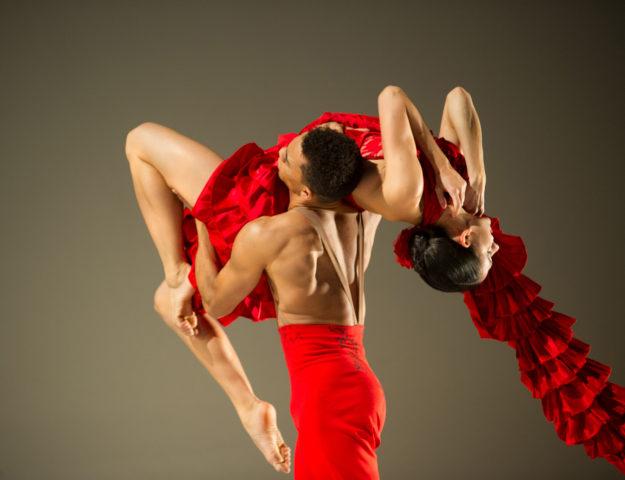 "Ballet Hispánico's ""Linea Recta"" Photo by Paula Lobo"