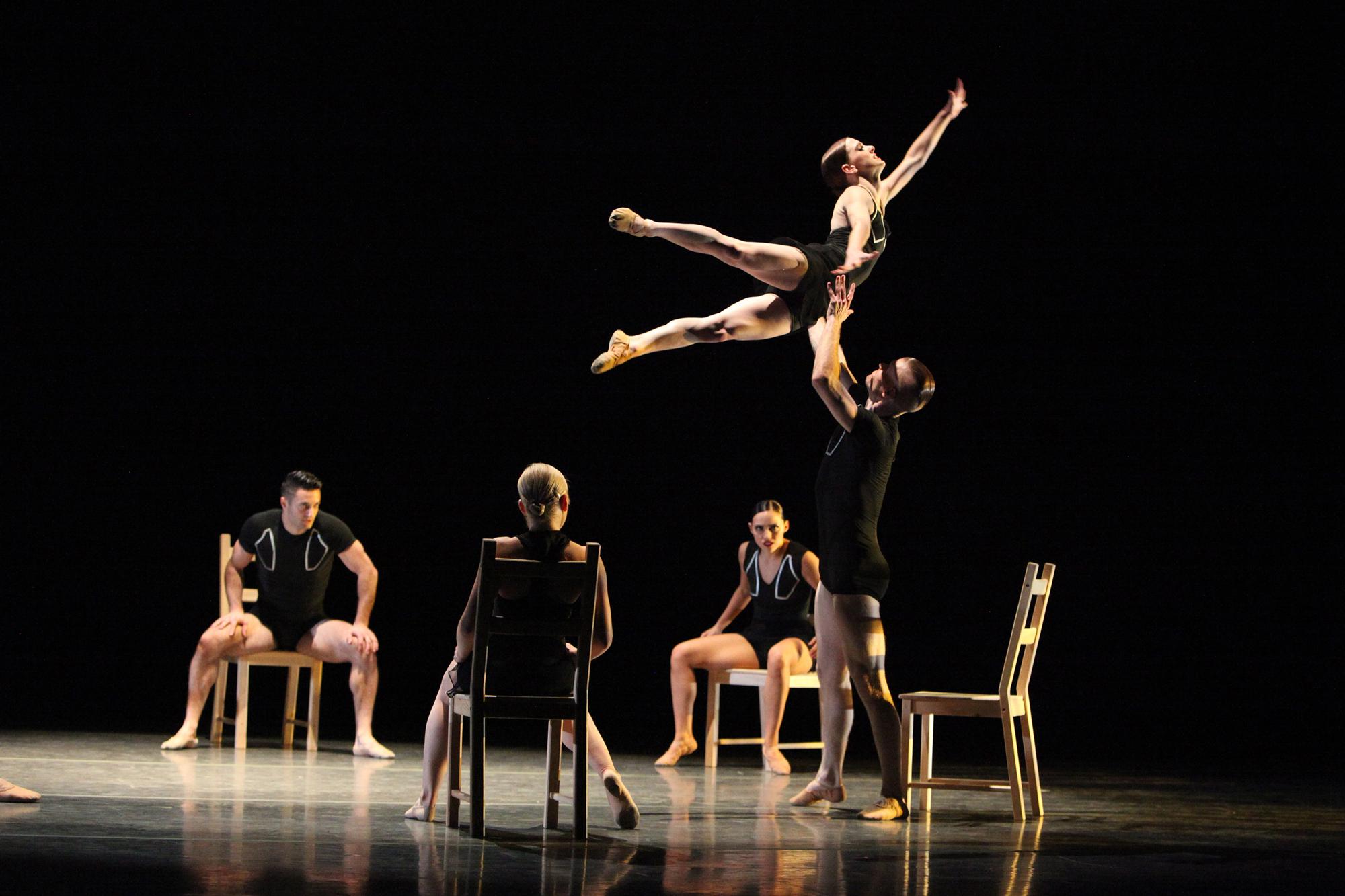 "Giordano Dance Chicago's ""Tossed Around"" (Gorman Cook Photography)"