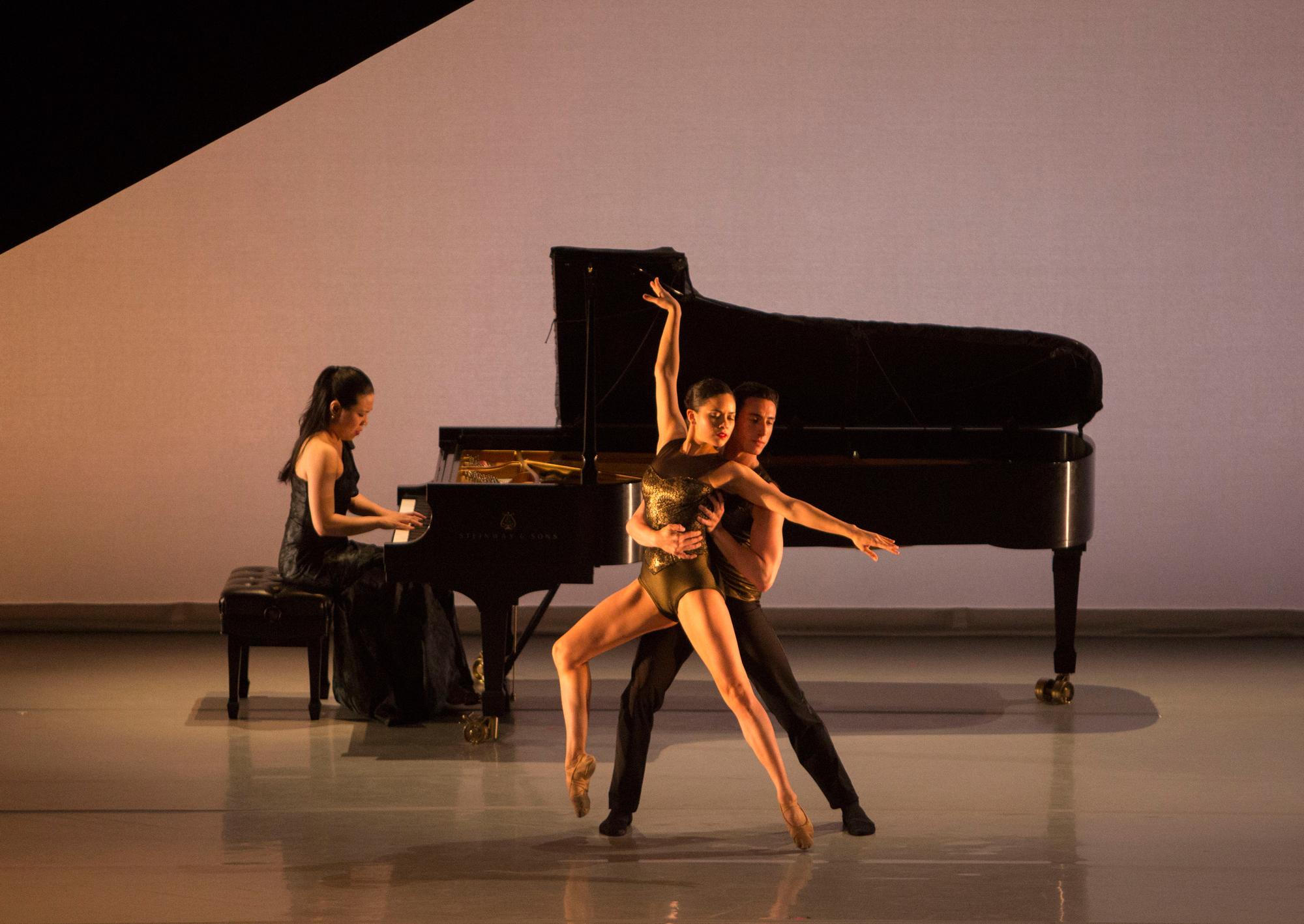 Aspen Santa Fe Ballet performing Jorma Elo's Half/Cut/Split with Joyce Yang (Photo by Rose Eichenbaum)