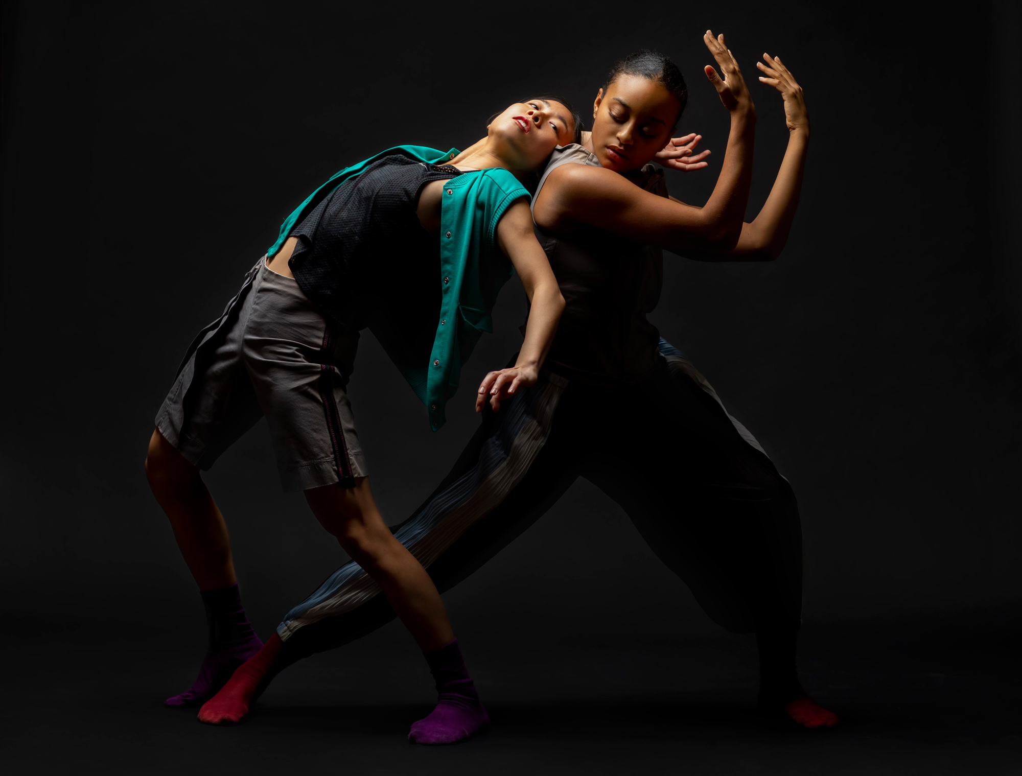 "Hubbard Street Dance Chicago dancers Connie Shiau and Alysia Johnson in Rena Butler's ""III. Third"" (Photo by Todd Rosenberg)"